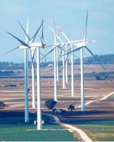 Farma wiatrowa we Włoszech, Apulia Fot. K. Worobiec
