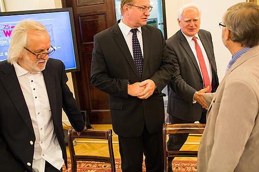 """Forum Debaty Publicznej pt. """"Krajobraz a energetyka wiatrowa – poszukiwanieładu"""". Fot. Wojciech Grzędziński. Źródło: www.prezydent.pl"""